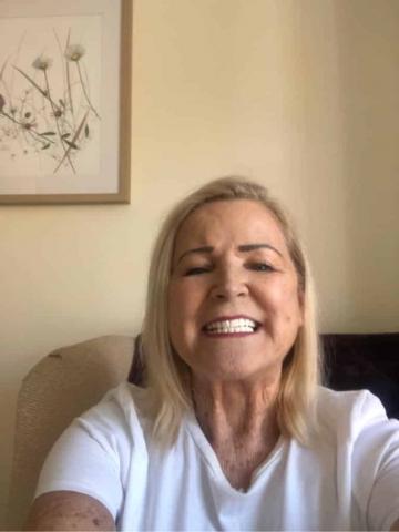 happy smiling clip on veneers customer